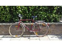 Beautiful Vintage Womens PEUGEOT Bike, 3 gears