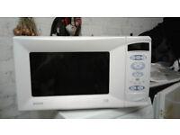 MATSUI M155TC Microwave Oven. 1000W Power. 28 Litre capacity.