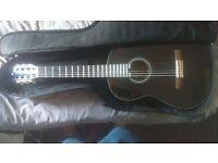 Almost new YAMAHA C40 guitar