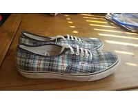 VANS OFF THE WALL PLAID DECK SHOES