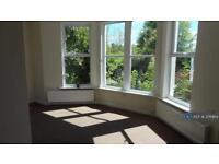 2 bedroom flat in Middle Warberry Road, Torquay, TQ1 (2 bed)
