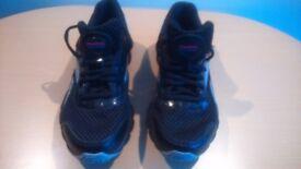 Ladies Reebok Runtone+, Black Trainers Size 5.