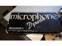 2 dynamic vocal mics