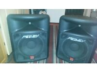 2 speakers peavey made in usa each speakers max power 1600w peak