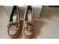 NEW !! Ladies Spot On Brown Wedge Shoes size 5