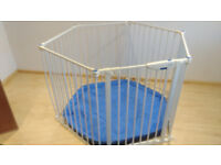 Lindam Playpen/ Room divider