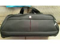 Excellent condition Wenger Rolling Duffel Bag / suitcase