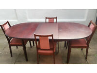 Dining Table and 4 chairs (extendable) £40
