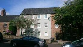 Large 2 bedroom central Stirling flat
