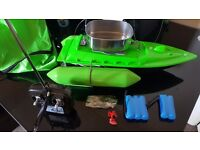 Small fishing bait boat vgc only used once great for a bigginer £45 ovno