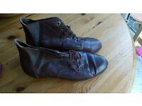 Ladies Size 3 vintage boots