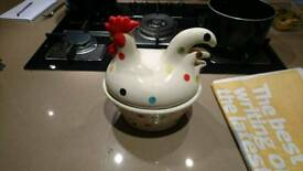 Spotted hen egg holder