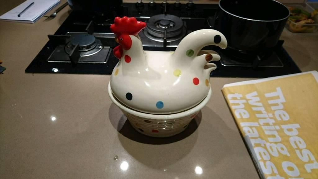 Spotted hen egg holder