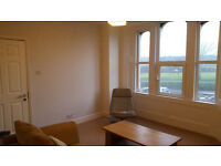 Lovely Sunny Garden Flat with park view. One bed, Living-room, modern kitchen and bathroom.
