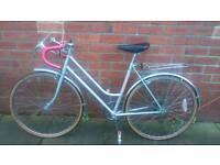 Ladies USA DAYTONA racing bike 20 inch frame good working condition and ready to ride