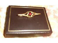 9ct gold antique ruby inset brooch