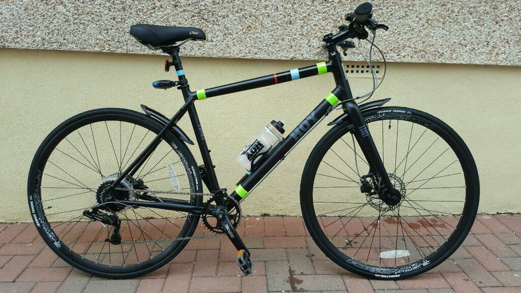 """Sir Chris Hoy 2016 Hybridin Airdrie, North LanarkshireGumtree - Chris Hoy Shizuoka 001 Hybrid Bike was purchased as a second bike,it has covered aporoximately 100 miles. The bike is like brand new with not a mark on it as you would expect. The bike would suit someone around 5""""7 and 6""""2. Brand New Bioflex Gel..."""