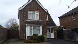 Calling all Cabin Crew! Grand 6 Bed Detached House (Crawley & Horley)