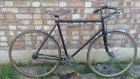 VINTAGE FIXED WHEEL PATH RACER/ROAD BIKE.22 INCH FRAME WEIGHS 11kgs PERIOD BICYCLE