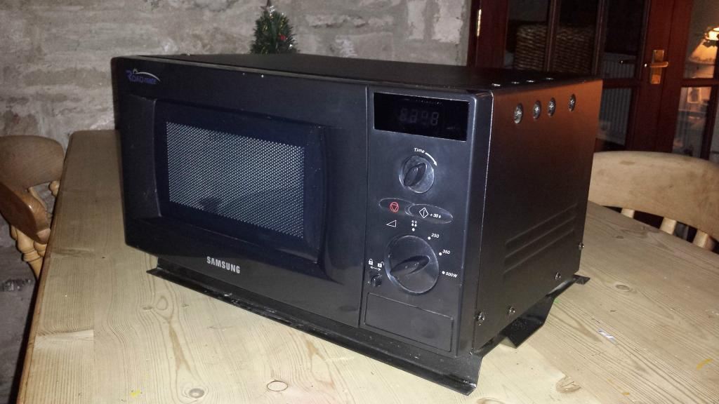 Microwave Oven 24 Volt Samsung Roadmate In Gloucestershire