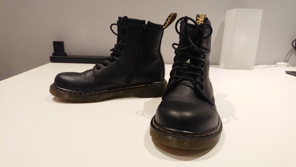72f434bec78 Kids Unisex Dr Martens Black 1460 Boots Junior (size 2) for sale