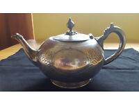 Absolutely georgous silver plate teapot. Circa 1890s/early 1900s. Unique and only £7