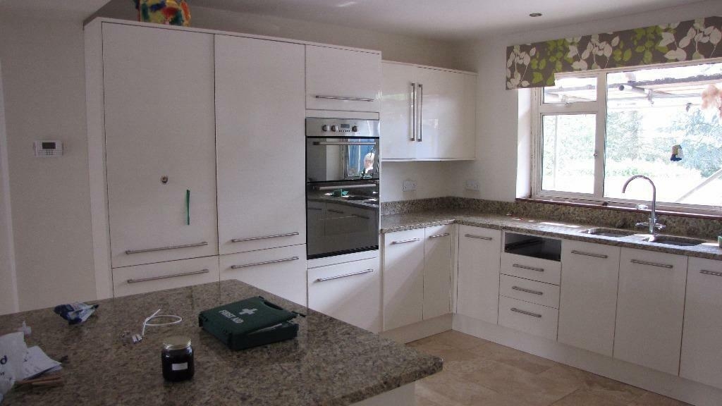 complete howdens kitchen incl floor and wall units and