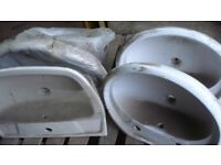 WASH HAND BASINS AND PEDESTAL (FULL & HALF) & TOILET WITH CISTERN - 2 PALLETS IN TOTAL JOB LOT ONLY