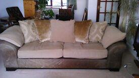 3-seater pillow back sofa