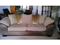 3-seater pillow back sofa