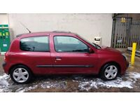 Renault Clio 1.5 DCI with CD which contains the best driving songs ever