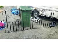 Pair drive gates