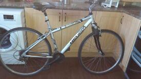 helium crosstrack bicycle