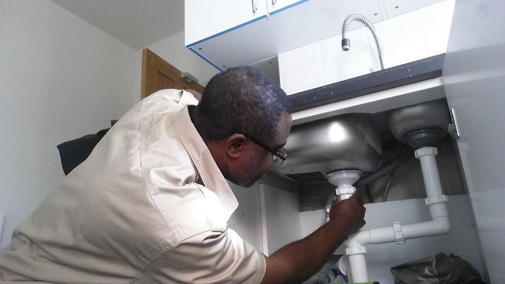 Nieuw Plumber Install Bathroom Gas Cooker Boiler Radiator Tap Wc Toilet AC-15
