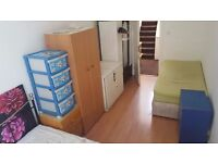 DOUBLE ROOM FOR SHARING NEXT TO KILBURN STN AVAILABLE !!!!
