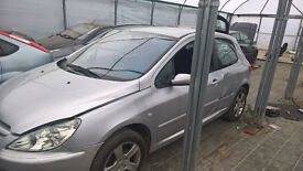 peugeot 307 silver 2 litre petrol breaking all parts available