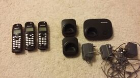 PANASONIC TRIPLE SET CORDLESS PHONE IN GREAT CONDITION
