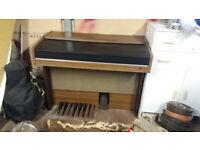 Yamaha Electric Organ. Full size key board. Free to a good home.