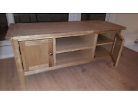 Brand new wooded TV stand 120x40