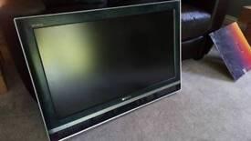 """Sony 32"""" digital HD TV"""