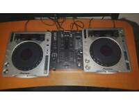 CDJ pair and mixer (Bargain, ideal Xmas Present)