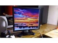 "Dell 17"" 1280x1024 Monitor in Good Condition"