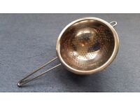 Stainless Steel Colander, One Handed, Hook included at top, Good condition, Contact me asap,Cheap £3