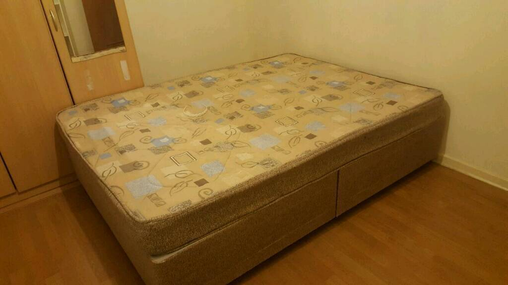 Divan bedin Heathrow, LondonGumtree - Divan bed. Need to go ASAP. House clearance. Available for collection on 22nd Jan between 12 and 3 pm