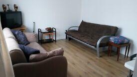 Single Room Hayes/ Heathrow (Ealing Broadway 8mins, Heathrow 6mins, Paddington 15min)