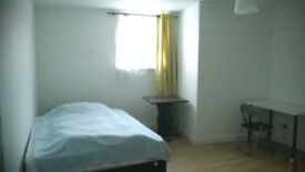 Modern and very large 2 bed flat, good location. Suitable for family or professional sharers.