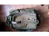 trakker padded 3 rod holdall and matching barrow bag still like new