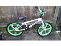 BOYS 20 INCH WHEEL BMX BIKE