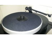 ProJect RPM4 with ProJect 9 Tonearm, Pig and 'Jelly Mould' - VGC