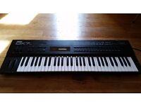 Yamaha DX7S - FM Synthesiser MIDI Keyboard